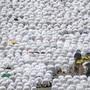 Pilger in Mekka beim Gebet (Archiv)