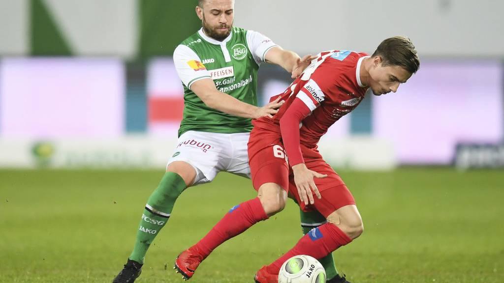 Der FC St.Gallen kämpft gegen den FC Sion.