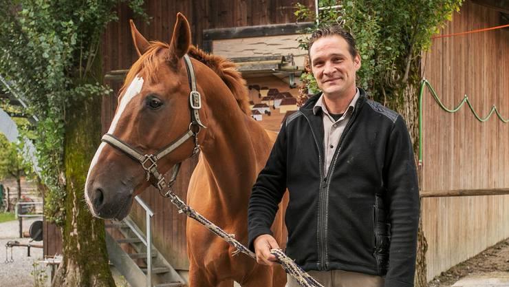 Andreas Fetscher mit seinem Lieblingspferd Tamiro, einem echten «Eidgenoss».