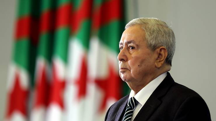 Soll innert 90 Tagen Wahlen abhalten: Algeriens Übergangspräsident  Abdelkader Bensalah bei seiner Ernennung im Parlament.