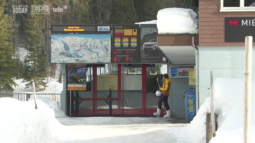 Schwyzer Regierung fordert: Skigebiete müssen mehr Personal aufbieten