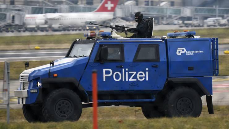 «Show of Force» Seit sechs Jahren ist am Flughafen Zürich ein Eagle IV im Einsatz, damit werden unter anderem Maschinen der israelischen El Al begleitet.