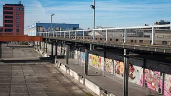 Auf dem Feldreben-Areal in Muttenz sollen zukünftig bis zu 900 Flüchtlinge untergebracht werden. (Archiv)