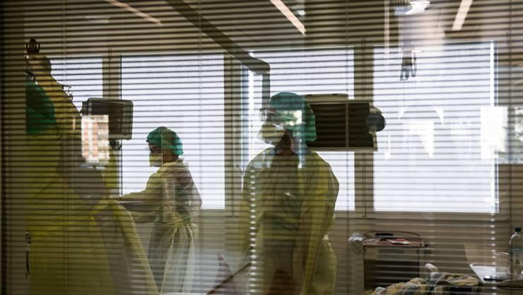 Die Zahl der Corona-Todesfälle im Kanton Zürich steigt auf 29. (Symbolbild)