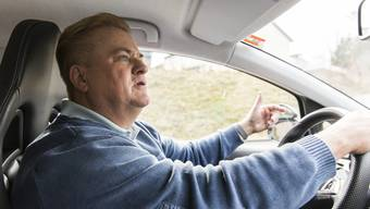 Daniel Frei bringt seit 25 Jahren seinen Schülern das Autofahren bei. Mit seiner Geduld, seinem Humor und seiner Pingeligkeit ist er der beste Fahrlehrer im Kanton.