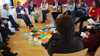 Wie lässt sich mit Kindern philosophieren? Durch zurückfragen kann eine Gesprächskultur aufgebaut werden. ihe