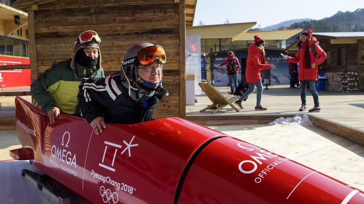 «Cool Runnings» für jedermann: Vor dem House of Switzerland steht sogar ein Bob.