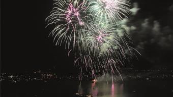 Hunderte Boote und die grossen Bielerseeschiffe werden auf dem See dem Feuerwerk beiwohnen und mit ihren HörnernApplaus spenden.