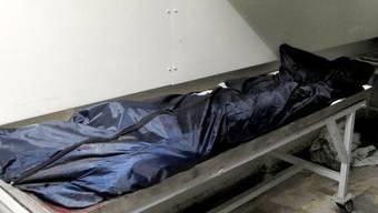 Toter in einem Leichensack in einem syrischen Spital (Symbolbild)