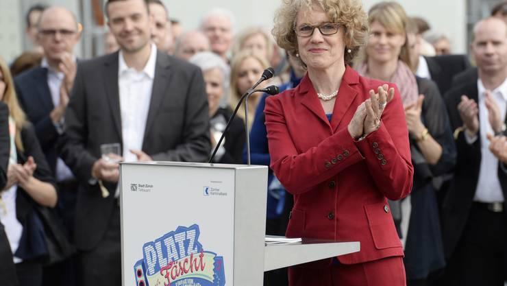 Stadtpräsidentin Corinne Mauch bei der Einweihung des Sechseläutenplatz