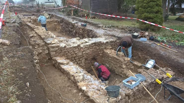 Die Ausgrabung im Dorfkern von Oensingen deckte mehrere, gut erhaltenen Räume eines römischen Gutshofs auf.