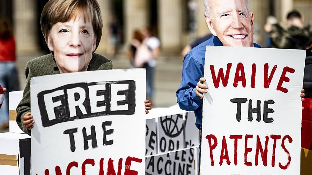 Organisationen fordern von Merkel Patentfreigabe bei Corona-Impfstoff