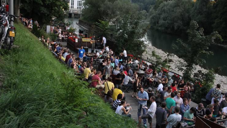 Rund 300 Personen fanden den Weg ins Treibgut um den Slampoeten zu lauschen
