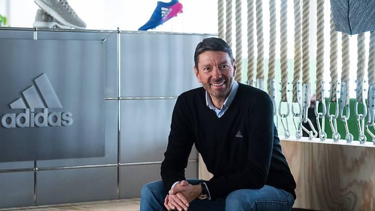 Adidas-Chef Kasper Rorsted kann sich freuen. Der deutsche Sportartikelkonzern hat 2017 erstmals über 20 Milliarden Euro Umsatz eingefahren. (Archiv)