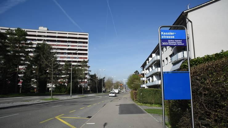 Vor dem prominenten Hochhaus am Kesslerplatz soll ein Wohnhaus mit zwei Detaillisten im Erdgeschoss entstehen.
