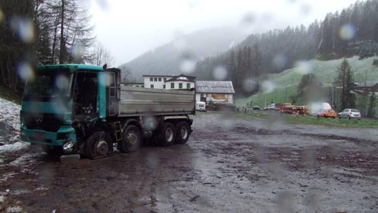 Der Lastwagen, bei dem sich plötzlich wie von Geisterhand die Türe geöffnet hat.