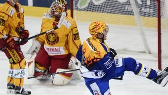 Der Schwede Marcus Paulsson bezwingt Langnaus Damiano Ciaccio zum 1:1-Ausgleich