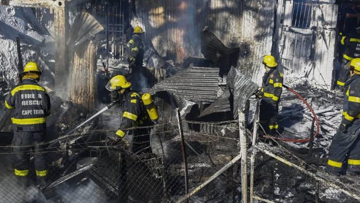Quartierbrand in Masiphumelele bei Kapstadt: Die Häuser stehen hier dicht beieinander, was die Brandgefahr erhöht.
