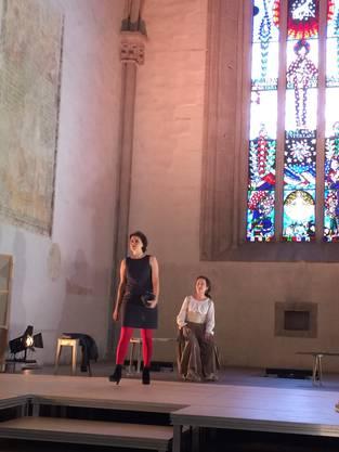 Starke Frauen: Niklaus' Ehefrau Dorothea und die junge Journalistin Naomi auf der Suche nach einer «Story» zu Niklaus.