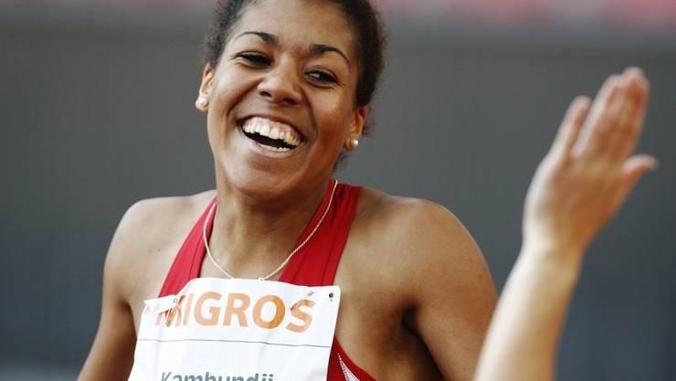 Die 17-jährige Mujinga Kambundji holt sich ihre ersten Schweizermeistertitel über 100 und 200 Meter. Ihre Zeiten damals: 11,66 respektive 23,87 Sekunden.