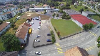 Die Liegenschaft Allerheiligenstrasse 5 (links im Bild) könnte in den Besitz der Einwohnergemeinde übergehen.
