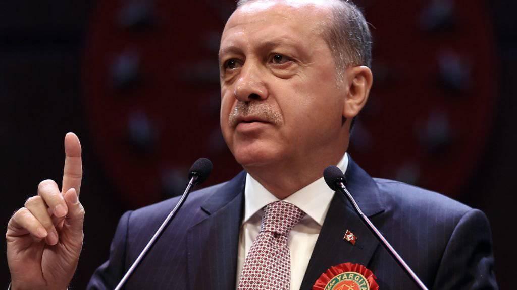 Die Märkte goutieren die Politik von Präsident Erdogan nicht. Moody's senkt das Rating für die Türkei auf Ramschniveau. (Archiv)