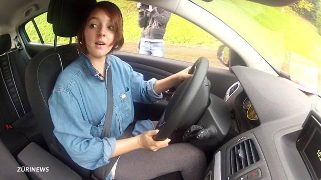 Fahrlehrer protestieren gegen Lernfahrausweis ab 17