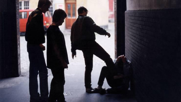 Der durchschnittliche jugendliche «Gewalttäter» ist 15,7 Jahre alt, in 87,3 Prozent der Fälle männlich und mehrheitlich nicht vorbestraft (55,8 Prozent).