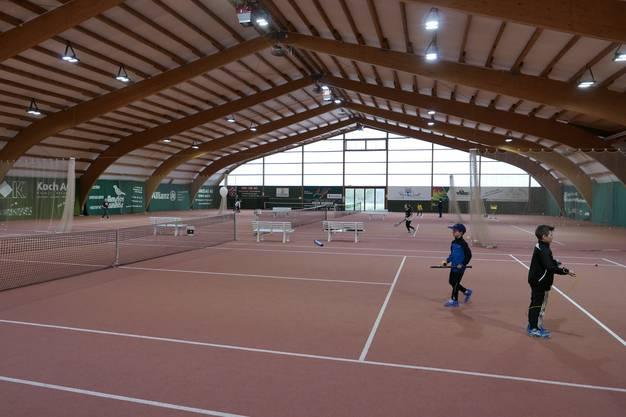 Wegen des schlechten Wetters mussten die Aktivitäten der Junioren in die Halle verlegt warden.
