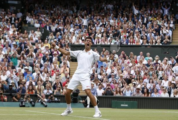 Siegesjubel von Djokovic nach seinem Triumph in Wimbledon.