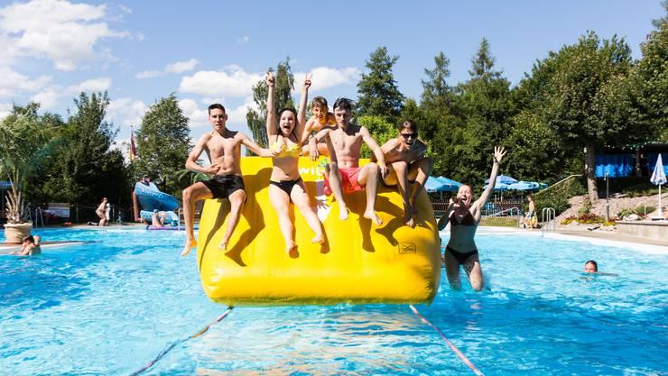 Das kulinarische Angebot im Schwimmbad Endingen wurde erweitert. (Archivbild)