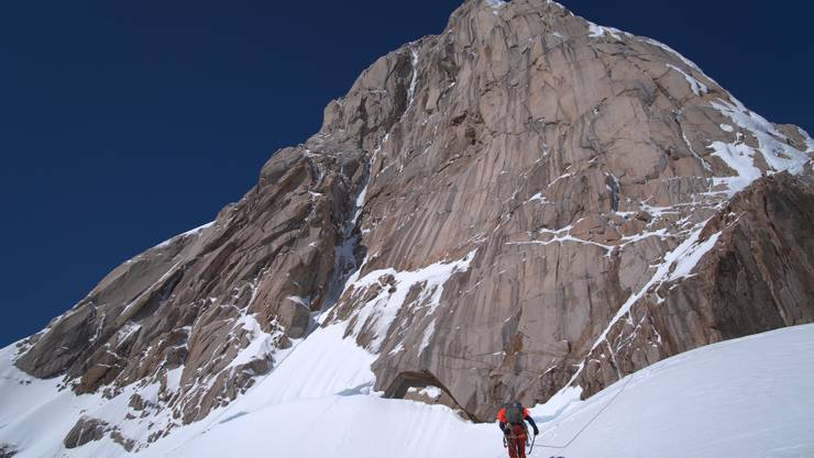 Die Nordostwand des Cerro Cachet – Lukas Hinterberger und seine Kollegen sind die Ersten, die den Berg über diese Route bestiegen haben.