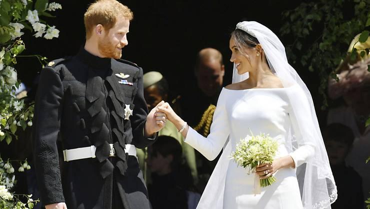 Vor der Hochzeit von Meghan Markle und Prinz Harry interessierten sich viele Fans vor allem für eine Frage: Welches Kleid trägt die Braut? (Archivbild)