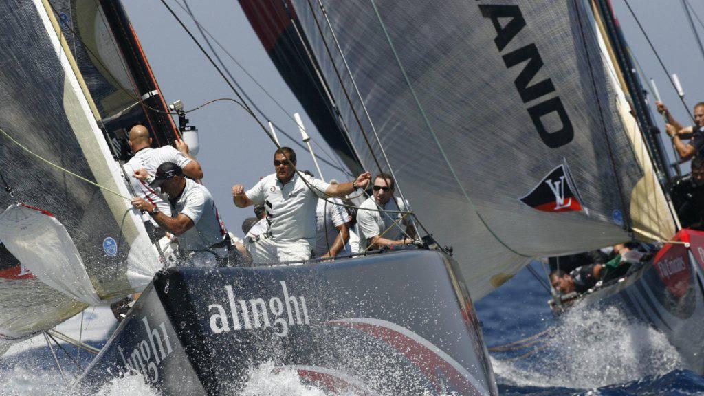 Ganz enge Entscheidung: Alinghi gewann die siebte Regatta gegen das Team New Zealand mit einer Sekunde Vorsprung.
