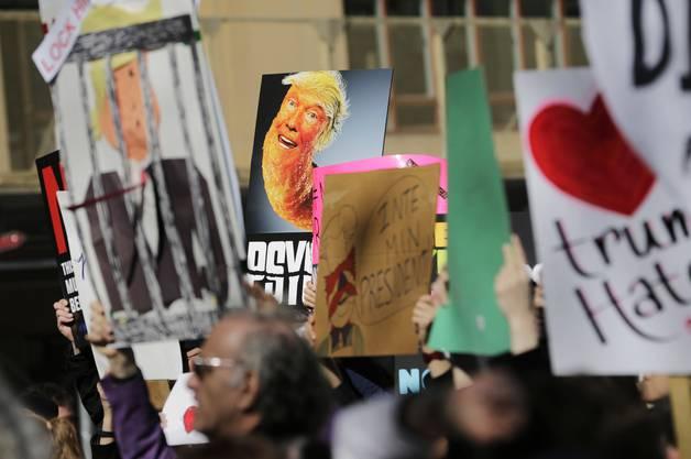 In New York gingen am Montag rund 10'000 Demonstranten auf die Strasse
