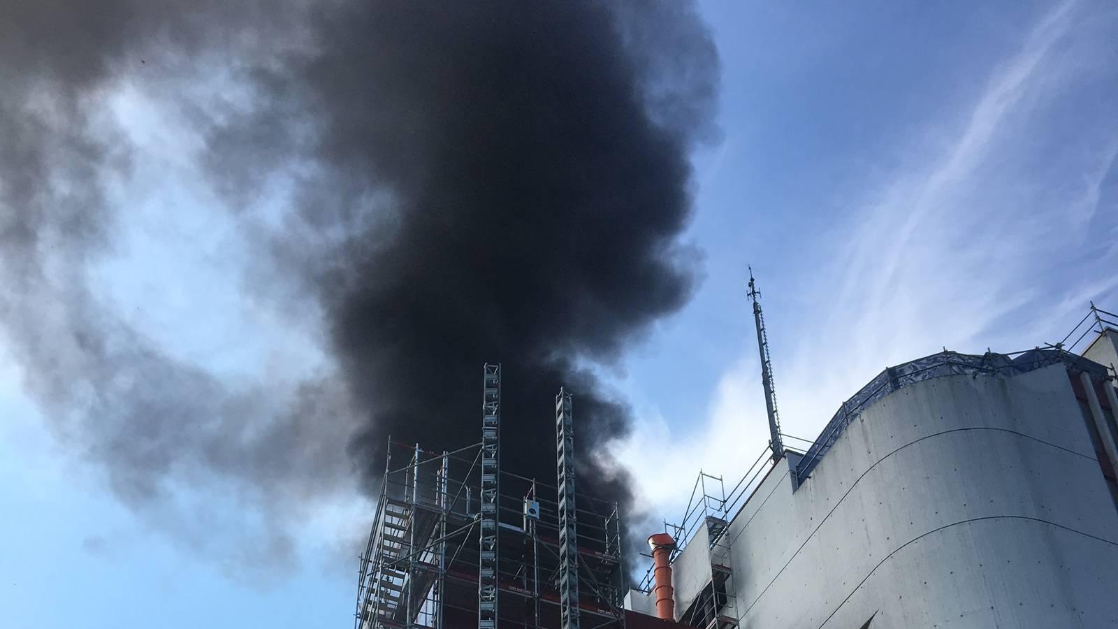 Auf dem Dach des Gebäudes wurden Arbeiten ausgeführt (© Radio Argovia)
