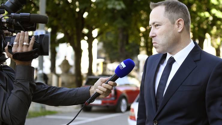 Weltwoche-Redaktor Philipp Gut muss sich vor dem Bezirksgericht verantworten.