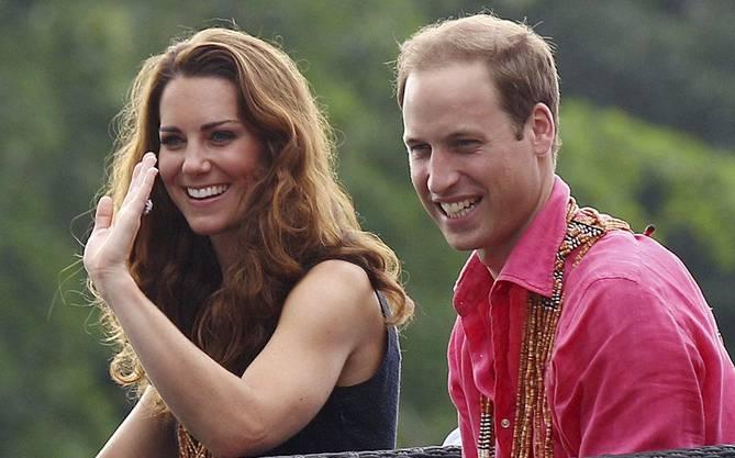 Das Paar lächelt jede Krise weg.