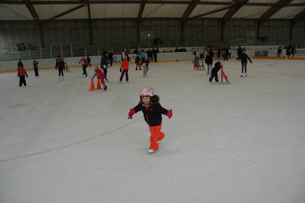 Anouk hat Eislaufen wohl vor dem richtigen Laufen gelernt