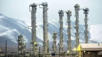 Iranischer Reaktor in der Stadt Arak - das Land hat die Produktion von niedrig angereichertem Uran vervierfacht und jüngst sogar noch weiter hochgefahren. (Archivbild)