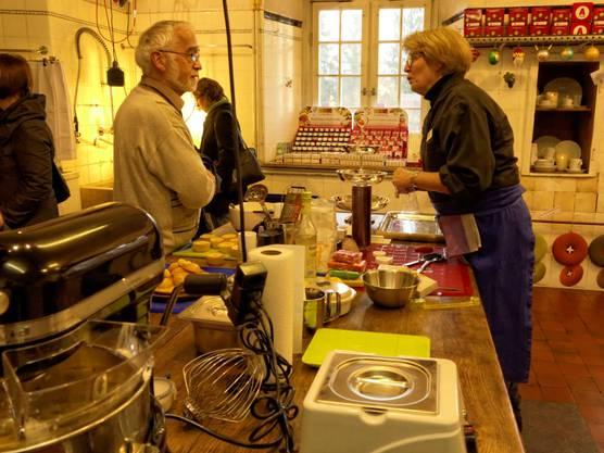Pater Paul Meier freut sich noch üimmer über euinen Schwatz in der alten Küche