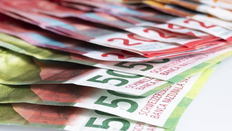 Die Jahresrechnung 2019 der politischen Gemeinde Aesch schliesst bei einem Minus von knapp 626'000 Franken ab. (Symbolbild)