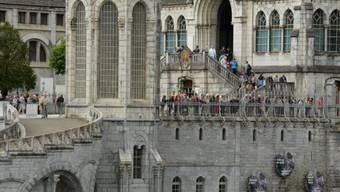 Blick auf die Kathedrale von Lourdes (Symbolbild)