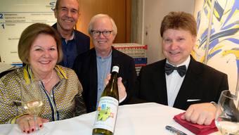 Die Geroldswiler Gemeinderäte Veronika Neubauer (SVP), Martin Conrad (SVP), Peter Christen (FDP) und Gemeindepräsident Michael Deplazes (parteilos) empfingen viele Gäste.