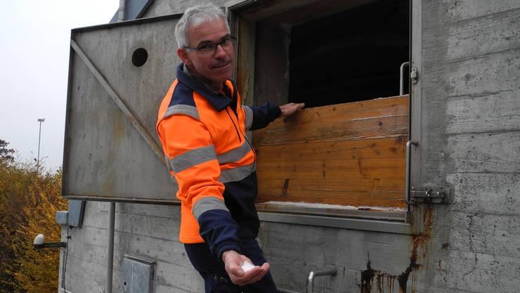 Bergdietikons Werkhofleiter Martin Bräm kann auf 55 Tonnen Streusalz zurückgreifen.