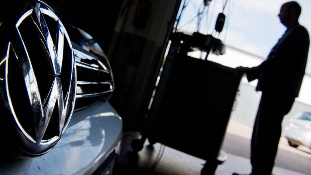Der Abgas-Skandal flog Ende 2015 auf. VW hatte weltweit etwa 11 Millionen seiner Autos mit einer Schummel-Software ausgestattet, welche die Abgaswerte manipulierte. (Archiv)