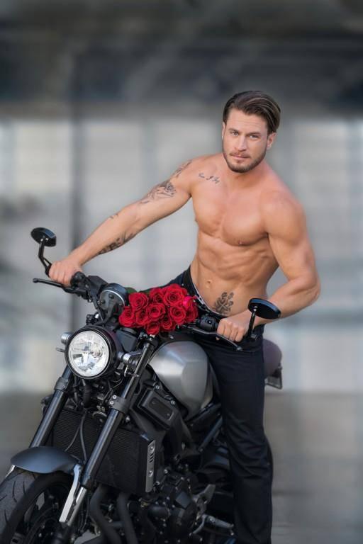 Bachelor Joel Herger (© 3)