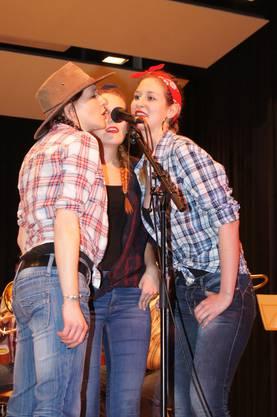 Sie erinnerten an die legendären Andrews Sisters. Brass Band Berner Oberland.