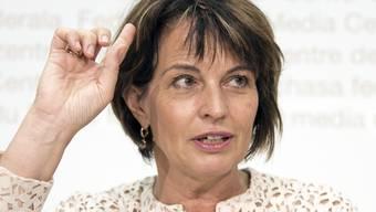 Wusste Bundesrätin Doris Leuthard von der unlauteren Buchungspraxis bei Postauto? (Archivbild)