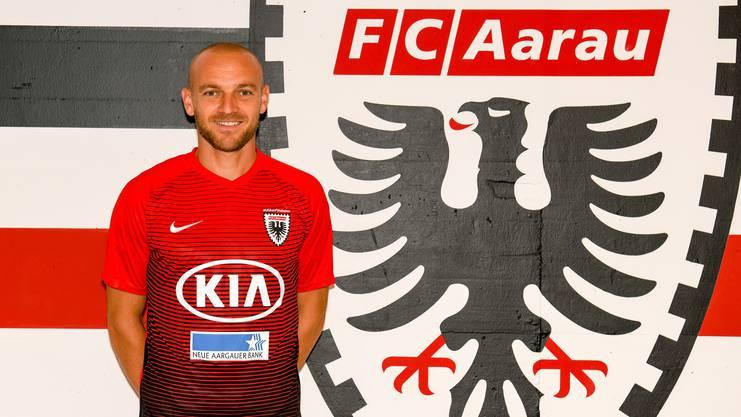 Marco Schneuwly hat für zwei Saison beim FC Aarau unterschrieben.